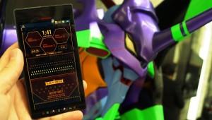 Evangelion telefon a kézben - már indulhat is a bevetés. Komoly feeling!